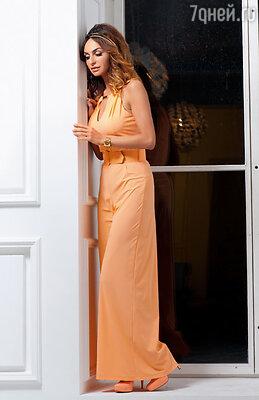 Обожаю красивую одежду, обувь. Когда вижу свое платье на Кэрри Брэдшоу из сериала «Секс в большом городе», испытываю кайф