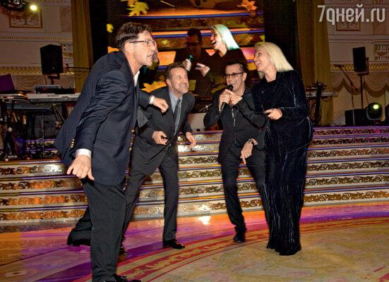 Александр Буйнов пригласил на бэк-вокал Григория Лепса, Леонида Ярмольника и Лайму Вайкуле