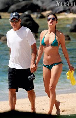 С бывшей подругой Элизабеттой Каналис. Гавайи, 2010 г.
