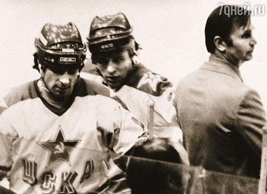 Вячеслав Фетисов (в центре) с Валерием Харламовым и Вячеславом Тихоновым