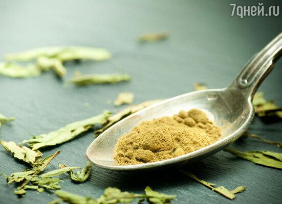 Стевия выпускается в виде травяного порошка, концентрированного настоя, сиропа, чая. Стевия регулирует уровень сахара и холестерина в крови,  стимулирует снижение веса