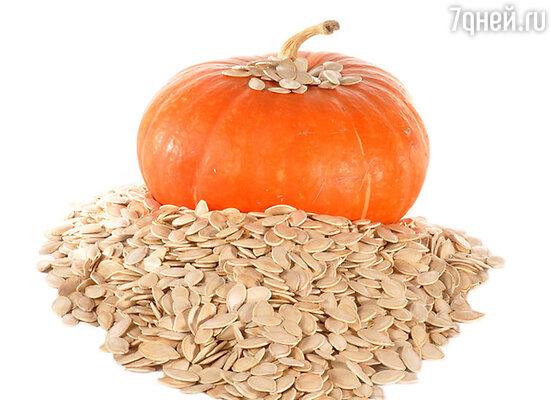 Тыквенные семечки  менее калорийны. Содержат белок, витамин Е и  цинк
