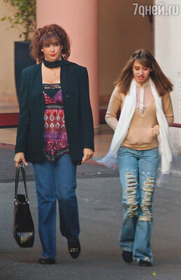 Бывшая любовница Альбера американка  Тамара Ротоло (слева) родила принцу дочь Жасмин.  Его высочество в конце концов признал девочку