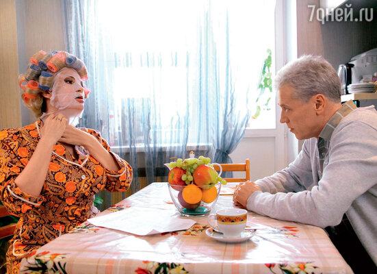 Одним из экранных мужей Эвелины стал актер Александр Тараньжин