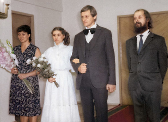 Через 10 лет после брака с Аллой  я во второй раз пошел в загс.  (Миколас со второй женой Мариной)