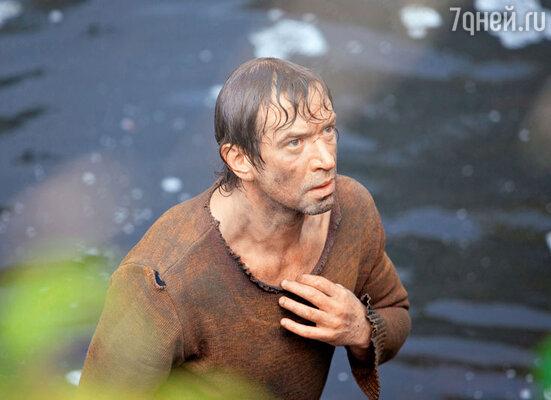 На съемках Владимир Машков многие трюки выполнял сам. Например, нырял вледяную реку