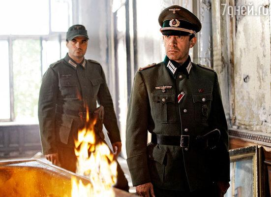 Подробности эпизода, где Владимир Машков снимался в форме немецкого офицера, создатели фильма пока не раскрывают