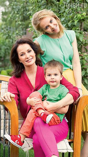 Ольга Кабо с дочерью Татьяной и сыном Виктором