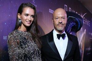 Эксклюзив: Бондарчук позвал на встречу с пришельцами всю семью