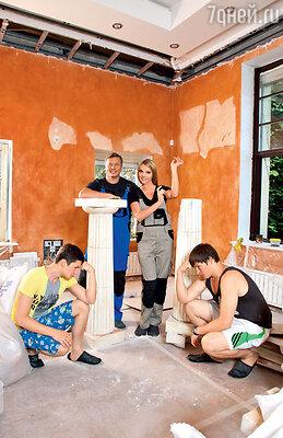 Варвара с мужем Михаилом и сыновьями Василием и Сергеем