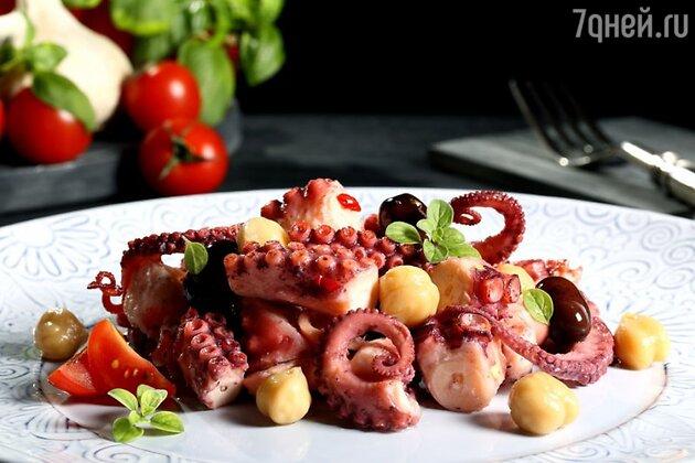Тушеный осьминог по-лигурийски