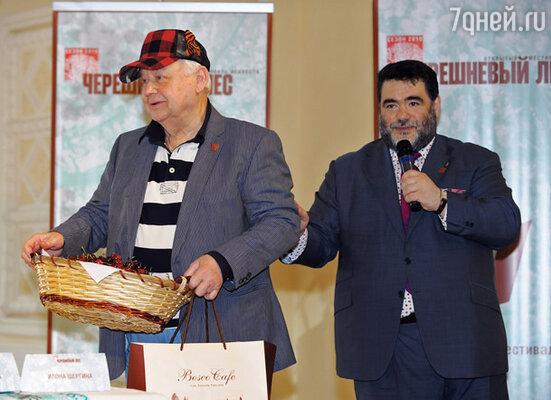 Михаил Куснирович, Олег Табаков