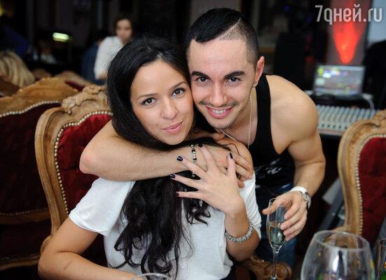 Тимур Родригез с женой Аней