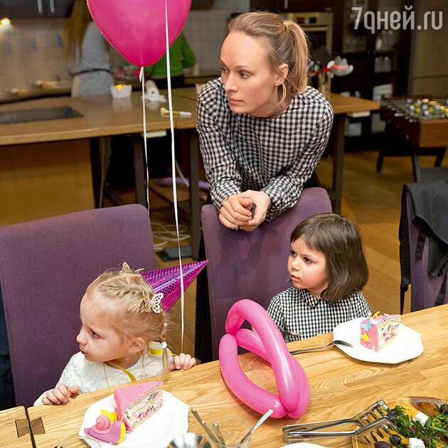 Ольга Ломоносова с дочкой Сашей
