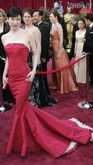 Рене Зеллвегер на церемонии «Оскар» в 2005 году