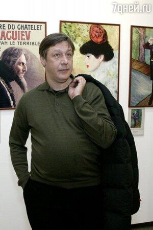 Михаил Ефремов вышел на театральную сцену в детстве, сыграв в спектакле МХАТа «Уходя, оглянись!»