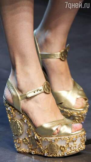 Модель показа Dolce&Gabbana
