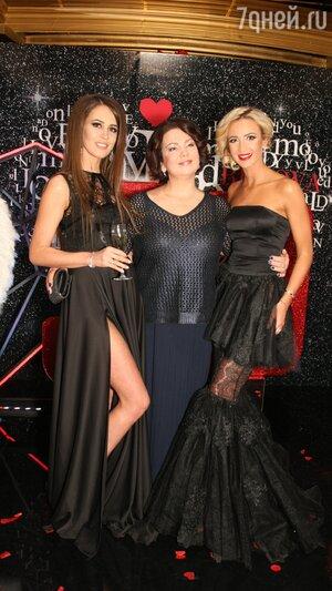Ольга Бузова с мамой Ириной Александровной и младшей сестрой Аней