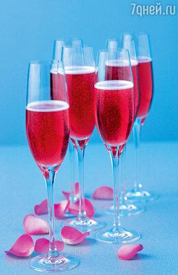 Красное игристое вино — фаворит новогоднего застолья