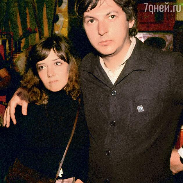 Лидер группы «Зоопарк» Науменко с женой Наташей
