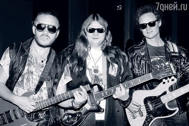 Алексей Вишня с Александром Ляпиным (слева) — тогдашним гитаристом «Аквариума» и бас-гитаристом группы Александром Титовым