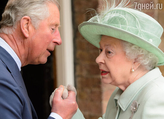 Камилла Паркер-Боулз спровоцировала скандал, в результате которого Елизавета ll была госпитализирована, а принц Чарльз предпочел уехать из страны