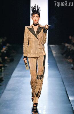 Ведущие парижские кутюрье стараются сделать моду haute couture если не более доступной, то ближе к повседневным нуждам. «Jean Paul Gaultier»