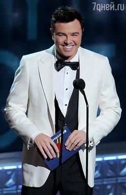В 2002 году когда Сет Макфарлейн начал произносить слова благодарности оказалось, что микрофон, к которому подошел победитель, выключен