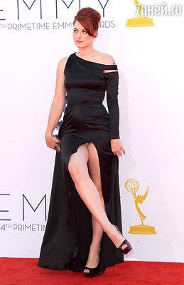 Актриса Александра Брекенридж сверкнула нижним бельем на фотосете