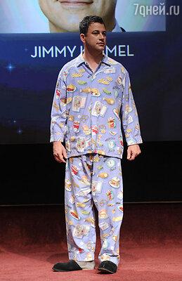 Комик Джимми Киммел вел 64-ю церемонию «Эмми» в пижаме