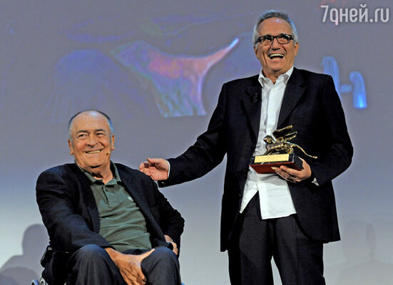 Бернардо Бертолуччи и Марко Беллокьо, получивший «Золотого Льва» за карьеру в кинематографе