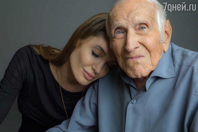 Анджелина Джоли с 96-летним героем Второй мировой войны Луи Замперини