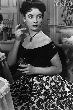 Элизабет Тейлор придумала аромат White Diamonds в 1991 году, и с той поры заветных флакончиков продано на 1 млрд долларов