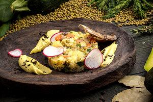 Постные рецепты: «Оливье» с муссом из зеленого горошка