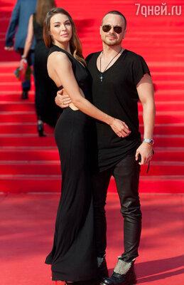 Говорят, что любой фильм, вкотором снимается Алексей Чадов, обречен на удачу: у актера есть чутье на прибыльные проекты. После женитьбы наАгнии Дитковските Чадов направил свой дар и во благо любимой супруге