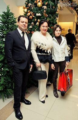 Андрей Круглов и Лариса Гузеева с дочерью