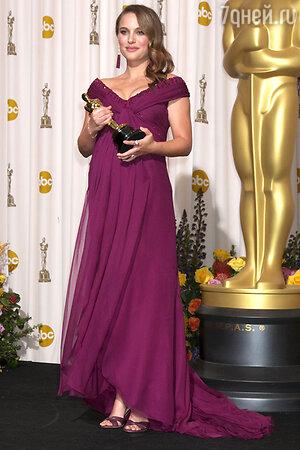 Одним из фаворитов значился и фильм Даррена Аранофски «Черный лебедь», однако единственная премия досталась исполнительнице главной роли Натали Портман