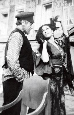 С Ефимом Копеляном в телефильме «Вечный зов». 1973 г.