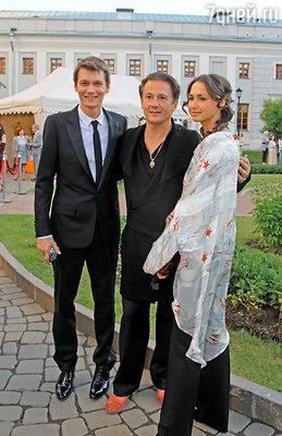 Филипп Янковский и Олег Меньшиков с супругой