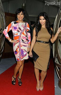 Ким Кардашьян со своей мамой Крис Дженнер