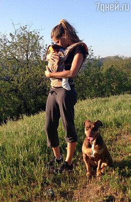 Супермодель Жизель Бундхен, у которой двое детей — трехлетний сын Бенджамин Рейн и дочь Вивиан Лейк Брэди