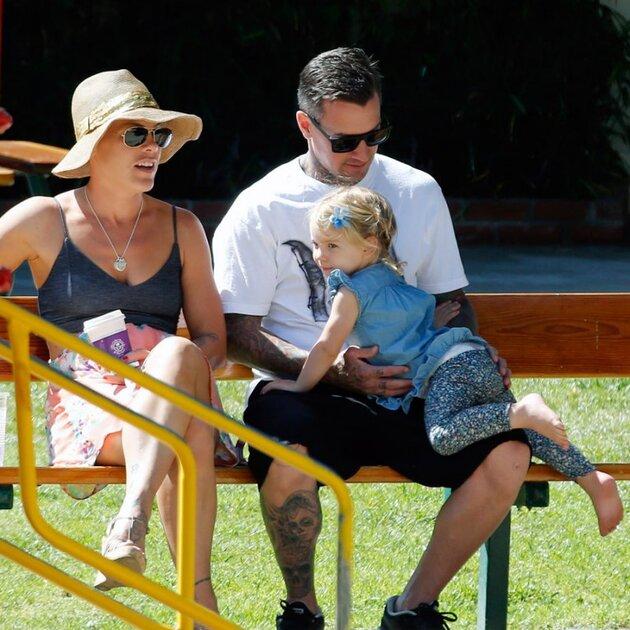 Пинк и Кэри Харт с дочкой Уиллоу