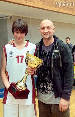 Гоша Куценко после матча с сыном своих друзей