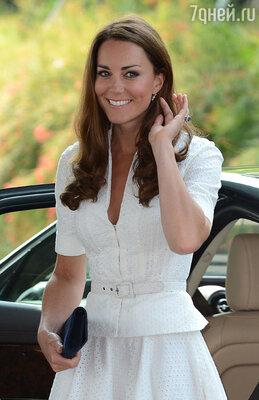 Кейт  Миддлтон накануне свадьбы делала процедуру для лица этого же бренда под названием «Сияние бриллиантов»