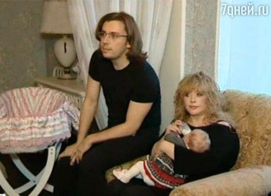Алла Пугачева и Максим Галкин с дочерью Лизой