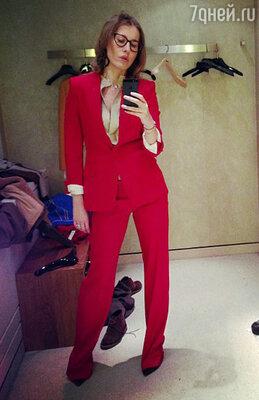 Ксения Собчак во время шопинга в нью-йорском универмаге Bergdorf Goodman