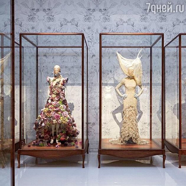 Выставка Alexander McQueen