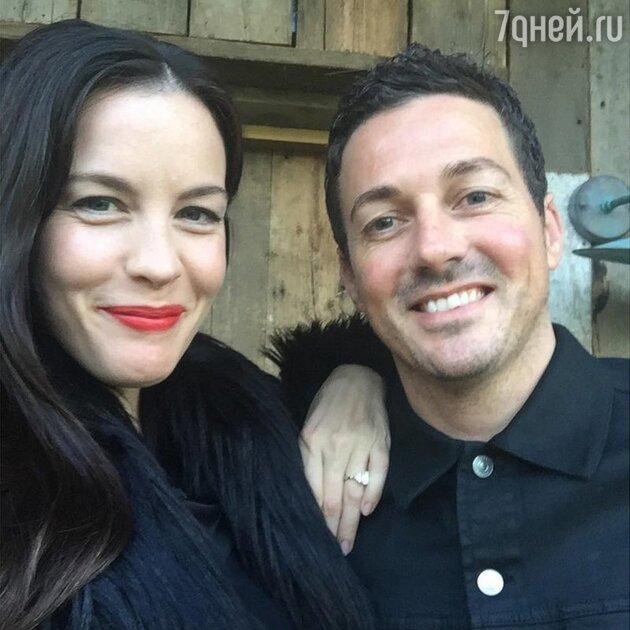 Лив Тайлер с супругом Дэйвом Гарднером