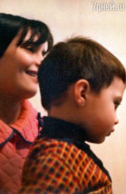 «Я была в смятении: как у нас все сложится с Высоцким? А сын? Как это отразится на ребенке?» Галина Бирюкова с сыном Павликом