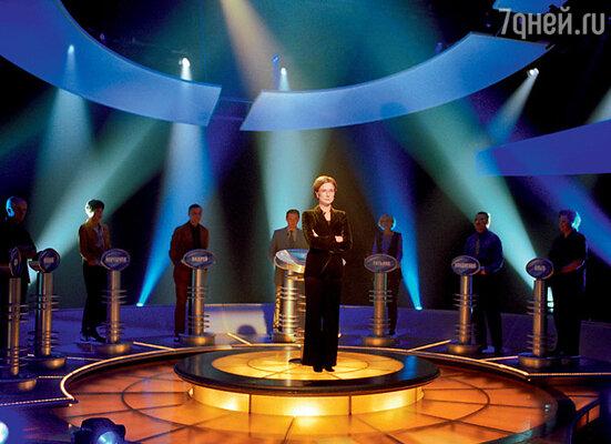 Появление Марии Киселевой в роли жесткой и бескомпромиссной ведущей шоу «Слабое звено» стало телевизионной сенсацией 2001 года